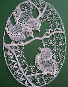 Crochet Edging Patterns, Bobbin Lace Patterns, Romanian Lace, Lace Art, Lace Jewelry, Lace Making, Lace Design, String Art, Machine Embroidery