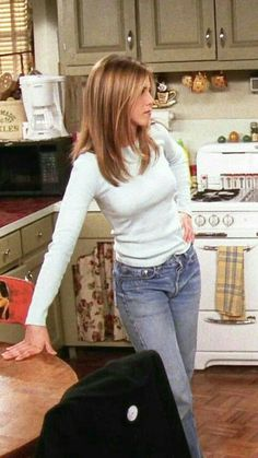 Best Picture For rachel green outfits aesthetic For Your Taste You are looking for something, and it Rachel Green Outfits, Mode Rachel Green, Estilo Rachel Green, Rachel Green Hair, Rachel Hair, Rachel Green Friends, Rachel Green Style, Jennifer Aniston Style, Jennifer Aniston Friends