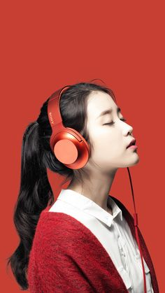 IU- Wallpapers IU photoshoot for Sony headphones Cute Korean Girl, Asian Girl, Poses, Iu Twitter, K Drama, Girl With Headphones, Iu Fashion, Korean Actresses, Whistler