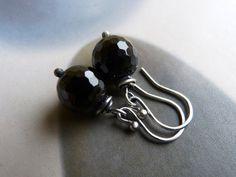 Onyx sterling silver earrings wire wrapped earrings by Mirma