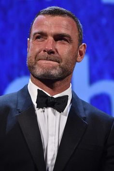 Liev Schreiber Photos Photos - Liev Schreiber is awarded with the Persol tribute to Visionary Talent Award 2016 at the premiere of 'The Bleeder' during the 73rd Venice Film Festival at Sala Grande on September 2, 2016 in Venice, Italy. - Persol Tribute to Visionary Talent Award to Liev Schreiber - Inside the 73rd Venice Film Festival