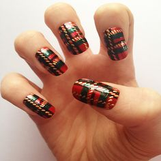 #plaid #nail #art #bloomdotcom