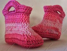 http://crochedamimi.blogspot.com.br/2013/09/botinha-de-croche-para-bebe-modelo_30.html?utm_source=feedburner&utm_medium=email&utm_campaign=Feed:+crochedamimi+(Croch%C3%AA+da+Mimi)&utm_content=Yahoo!+Mail