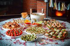 Proste i zdrowe przystawki na Sylwestra / karnawał - Poezja smaku Impreza, Food Presentation, Table Settings, Dinner, Diy, Fiestas, Dining, Bricolage, Food Dinners