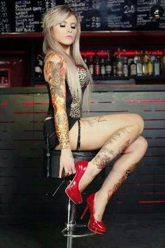 milf Wicked tattooed brunette