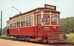 With a history that dates all the way back to the horse-drawn cars of the the streetcar is the foundation upon which Toronto's transit syste. Canadian Things, Toronto Ontario Canada, Commuter Train, Light Rail, Old City, Public Transport, Back In The Day, Old Pictures, Transportation