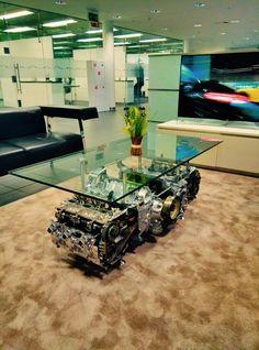 Журнальный стол из ДВС Porsche 911.