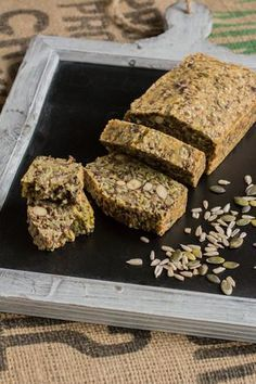 Original Bread with Seeds and Nuts (gluten free, lactose free) EetPaleo - Air Fryer Recipes Pureed Food Recipes, Paleo Recipes, Low Carb Recipes, Baking Recipes, Paleo Bread, Low Carb Bread, Healthy Breakfast Recipes, Healthy Baking, Healthy Food