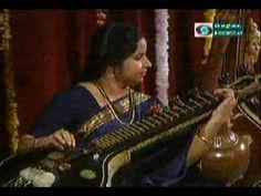 04-E Gayathri-Thaye Thirubara Sundari-Suddha Danyasi-Part II-June 4-_044947_0.flv