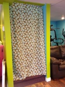 Down To Hearth: Crazy Easy Energy-Saving Stairwell Curtain Tutorial!