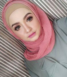 hijabi lifestyle #awetmuda Muslim Fashion, Hijab Fashion, Hijab Tutorial, Hijab Outfit, Lifestyle, Sexy, Outfits, Beauty, Suits