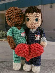 Bromance valentines: JD and Turk from Scrubs amigurumi Moñacos, cosicas y meriendacenas