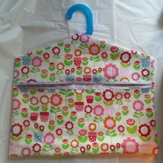 Make it Monday: peg bag tutorial – The Creative Pixie Small Sewing Projects, Sewing Projects For Beginners, Sewing Tutorials, Sewing Hacks, Sewing Ideas, Easy Knitting Patterns, Sewing Patterns Free, Diy Clothespin Bag, Fabric Crafts