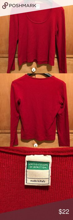 Benneton Cropped Sweater S I was super excited to find this a few years ago, but I've outgrown it. Cropped length with full length sleeves. In good, pre loved condition. Will fit an XS or S. Vintage. United Colors Of Benetton Sweaters
