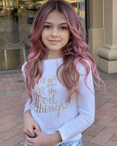 What do you think of when you think of pink? I think of cotton candy! Hair Dye For Kids, Kids Hair Color, Girl Hair Colors, Hair Color Pink, Teen Girl Hairstyles, Pretty Hairstyles, Pink Hair Streaks, Mädchen In Bikinis, Kawaii Makeup