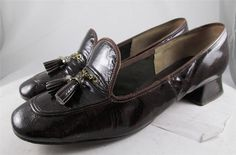 Vintage 60s Cobbies Loafer Pumps Brown Patent Gold Chain Tassel Square Heel 9 M #Cobbies #LoafersMoccasins