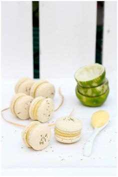 Foodagraphy. By Chelle.: Lime curd macarons