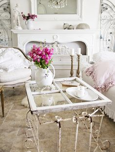 9 Efficient Cool Ideas: Shabby Chic Bedroom Look shabby chic wohnzimmer deko.Shabby Chic Bedroom Look shabby chic desk with hutch.Shabby Chic Desk With Hutch. Shabby Chic Mode, Estilo Shabby Chic, Shabby Chic Interiors, Shabby Chic Bedrooms, Shabby Chic Kitchen, Shabby Chic Style, Farmhouse Bedrooms, Shabby Chic Living Room Furniture, Living Room Decor