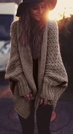 Meet the new open front sweater. Just enjoy the maxi relaxing feeling. You are absolutely overwhelmed by special knitting pattern and oversize style features. Find your favourite at CUPSHE.COM free shipping!