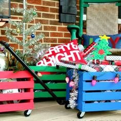 Lean how to make wagons out of crates for use during the holidays, for kids to play with and more! Easy and decorative!