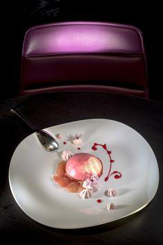 Bavarois au pamplemousse et mousse de pralines roses  #gastronomielozère #restaurantlozère #tourismeoccitanie