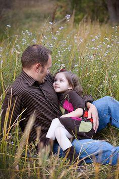 setting/natural pose father daughter  #candidjoyphotography