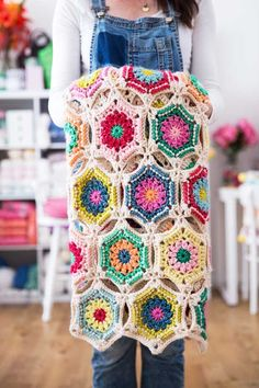 Hexagon Crochet Blanket - 12 Months of Crochet with RedAgape
