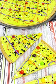 Halloween Cookie Pizza Final 1