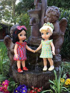 Robes réalisées au CROCHET poupées ANIMATOR Princesses Disney Belle et Blanche Neige