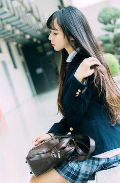 School Girl Japan, School Girl Outfit, Japan Girl, Cute School Uniforms, School Uniform Girls, Girls Uniforms, Mode Ulzzang, Ulzzang Girl, Beautiful Japanese Girl