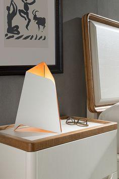 Lámpara de sobremesa Flexia diseñada por Nacho Timón.