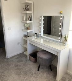 Small Dressing Rooms, Dressing Room Decor, Bedroom Dressing Table, Dressing Table Design, Dressing Table Girl, Dressing Table Hacks, Simple Dressing Table, Makeup Dressing Table, Ikea Malm Dressing Table