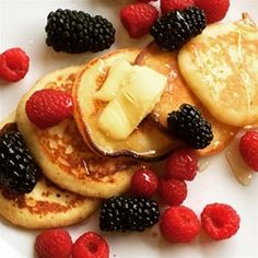 Tall, fluffy pancakes make the best breakfast, especially when there's plenty of butter and syrup. Pancakes Easy, Fluffy Pancakes, Ricotta Pancakes, Homemade Pancakes, Old Fashioned Pancake Recipe, Great Recipes, Favorite Recipes, Breakfast Recipes, Cooking