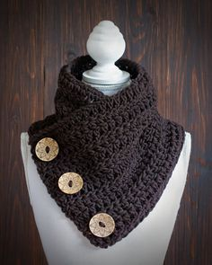 Beautiful and warm short scarf/cowl made of great chunky yarn Mille from Lana Grossa. The handmade crocheted scarf has a dark brown color and can be