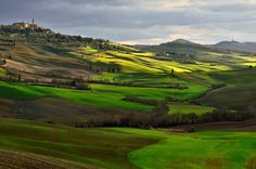 Sunrise in Val d'Orcia - Sunrise in Tuscany.