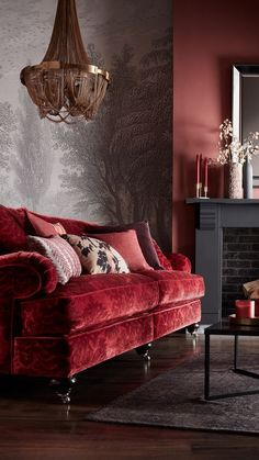 Velvety and Ostentatious Red Couch Inspiration // Malabar Artistic Furniture Interior Modern, Home Interior Design, Italian Interior Design, Stylish Interior, Muebles Shabby Chic, Traditional Sofa, Traditional Furniture, Design Living Room, Design Bedroom