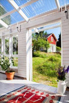 Pergola Bois Plantes Grimpantes - How To Build A Pergola Attached To House Patio - Diy Pergola, Gazebo, White Pergola, Pergola Swing, Cheap Pergola, Pergola Kits, Outdoor Rooms, Outdoor Gardens, Outdoor Living