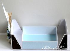 FREE tutorial recipe and STUDIO cut file for this box hinged lid middle opening