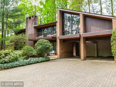 On the market: 1960s midcentury modern property in Alexandria, Virginia, USA on http://www.wowhaus.co.uk