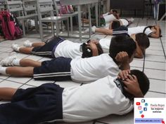 LAS MEJORES NOTICIAS. Los homicidios con armas de fuego en Colima aumentaron en 2017, hasta en un 40% respecto al año anterior. Por esta razón, varias escuelas de la entidad han puesto en marcha protocolos de seguridad en los planteles, para que los alumnos sepan qué hacer en caso de balaceras y amenaza por explosivos, entre otros eventos. Si desea conocer más acerca de este tema, le sugerimos consultar nuestro sitio web www.paolarojas.com.mx. #PaolaRojas