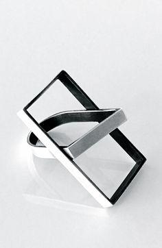 Loulia Kirikou  | Geometric ring