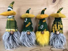"""Say Cheese"". The Cheesehead -Packer gnome/nisse/tomte! Get your one of a kind Christmas presents.Go Pack! Christmas Crafts, Christmas Cooking, Christmas Presents, Gnome Hat, Fleece Hats, Scandinavian Gnomes, Craft Free, Christmas Gnome, How To Make Diy"