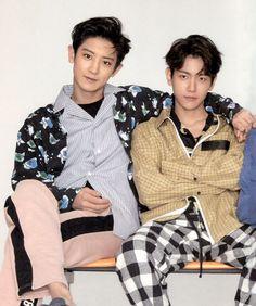 Chanyeol [찬열] and Baekhyun [백현] Exo Chanyeol, Kpop Exo, Kyungsoo, Taemin, Shinee, Exo Chanbaek, Kim Minseok, Tao, Fanfiction