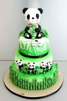 Super cute panda cake| so getting this for my next birthday ❤️