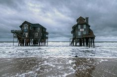 Most People Don't Know These 15 Hidden Gems Exist In North Carolina Outer Banks North Carolina, South Carolina, Wilmington North Carolina, North Carolina Beaches, Outer Banks Nc, North Carolina Homes, Rodanthe North Carolina, Charlotte North Carolina, North Carolina Vacation Spots