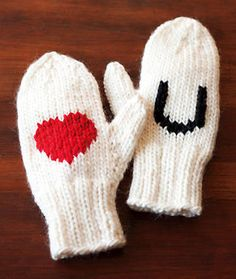 Valentine's Day Mittens! How cute are these...with free knitting directions! #MyClassicJewelry https://www.etsy.com/shop/MyClassicJewelry