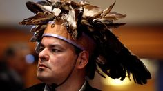 Behind First Nations headdresses: What you should know - Aboriginal - CBC First Day Of Class, Cultural Appropriation, Canadian History, Unit Plan, Justin Trudeau, School Resources, Political News, First Nations, Headdress