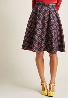 Swingy Skirt with Bow Waist - As your fellow foodie friends arrive at your place for an evening of good eats, you greet them stylishly in this plaid midi skirt! Part of our ModCloth namesake label, this pocketed piece features a navy base hue, a bow-detailed waistline, cozy woven fabric, and welcoming vibes as delightful as each dish.