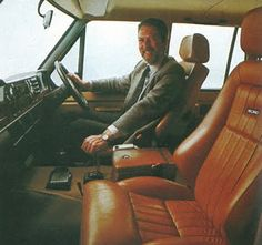 Range Rover Australia - Range Rover Classic Sober interior in FFRR 5000 with Recaro, new fascia, automatic and leather