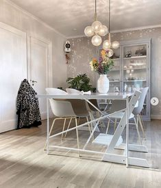 @fartilfirepiger Dining Table, Chair, Furniture, Instagram, Home Decor, Dinning Table, Stool, Interior Design, Dining Rooms